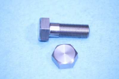 02) 3/8 Cycle Steel Stainless X 1'' Bolt HC38100
