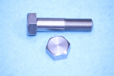 04) 3/8 Cycle X 1-1/2'' Stainless Bolt HC38112