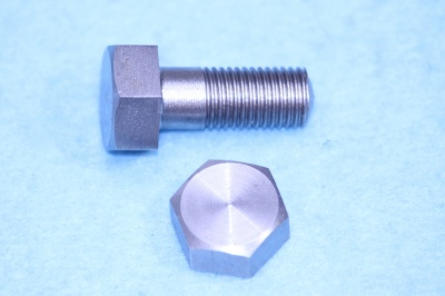 03) 5/16 Cycle Bolt X 3/4'' Stainless Steel  HC516034