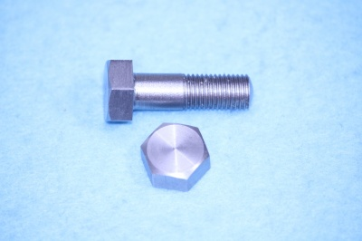 04) 5/16 Bolt  X 7/8'' Cycle Stainless Steel HC516078