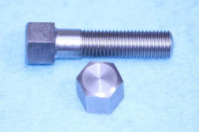 04) 5/16 0.445'' A/F Stainless Steel Bolt Cycle X1-1/4'' HC516114S