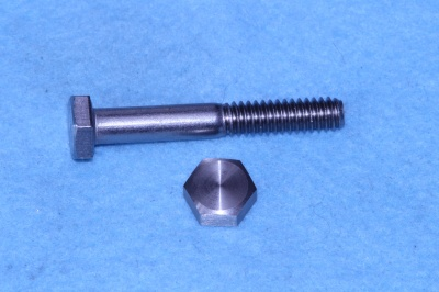 06) 1/4 UNC Bolt x 1-3/4'' Stainless HUC14134