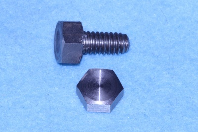01) 1/4 Whitworth Bolt x 1/2'' Stainless Steel Hex HW14012