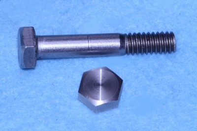 06) 1/4 Stainless Steel x 1-1/2'' Hex Bolt Whitworth HW14112