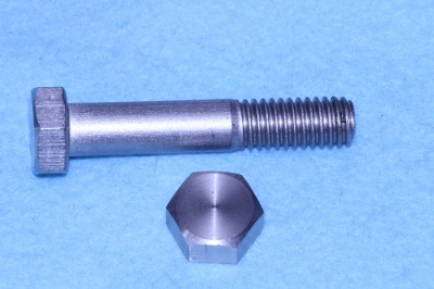 06) 3/8 Stainless Steel x 2'' Hex Bolt Whitworth HW38200