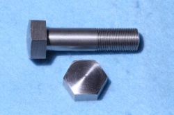 05) 1/2 Stainless Bolt Steel X 2'' Cycle Domed 26 tpi HC12200D