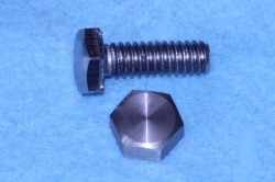 02) 1/4 UNC Bolt x 3/4'' Stainless HUC14034