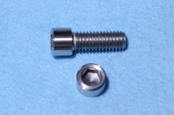 02) 3/8'' Whiworth X 1'' Stainless Socket Cap Screw SW38100