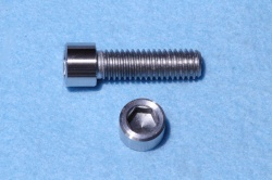 03) 3/8'' Whiworth X 1-1/4'' Stainless Socket Cap Screw SW38114